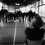 Reportage dell'esercizio performativo che chiude la prima parte del laboratorio di recitazione